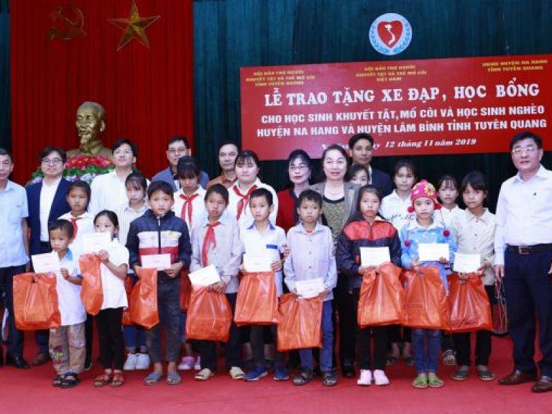 Tiếp sức cùng học sinh khuyết tật, mồ côi tỉnh Tuyên Quang đến trường