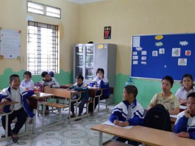 Trang trí lớp học cho trẻ khuyết tật tại trường chuyên biệt Bình Minh