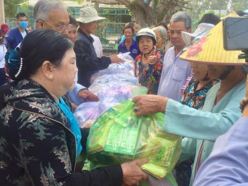 Tỉnh Hội An Giang: 200 phần quà tết cho bà con nghèo, khuyết tật