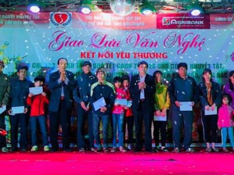 Trung ương Hội: Trao tặng quà tết cho NKT, TMC, người nghèo tỉnh Bắc Giang