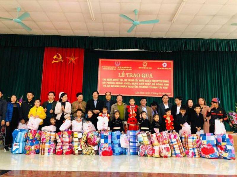 Trung ương Hội: 200 suất quà tết cho đối tượng có hoàn cảnh đặc biệt tỉnh Tuyên Quang
