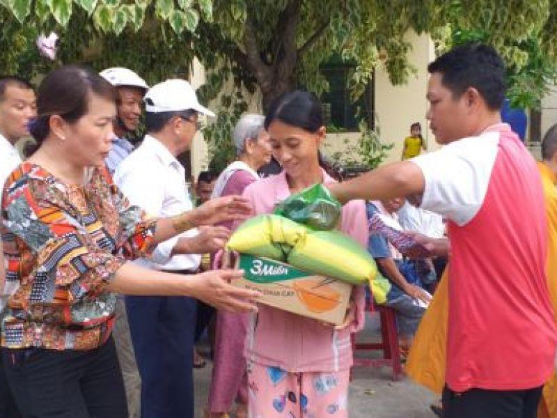 Tỉnh Hội Trà Vinh: Tịnh Xá Ngọc Vinh, thành phố Trà Vinh hỗ trợ người khuyết tật có hoàn cảnh khó khăn sau đại dịch Covid – 19.