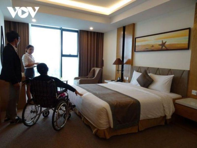 Chật vật làm tour du lịch cho người khuyết tật