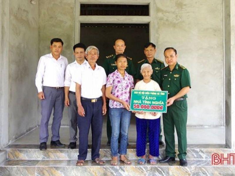 Bộ đội Biên phòng Hà Tĩnh hỗ trợ 50 triệu đồng xây nhà ở cho người có công