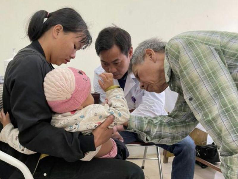611 trẻ em Lai Châu được khám khuyết tật miễn phí