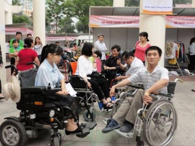 Tạo điều kiện cho người khuyết tật tiếp cận nước sạch, vệ sinh môi trường