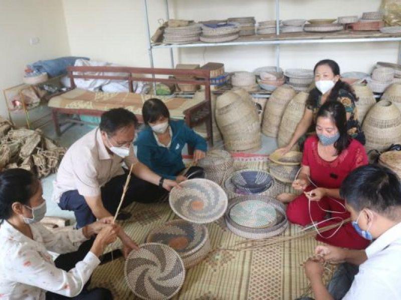 Tỉnh Hội Thanh Hóa khai giảng lớp dạy nghề sản xuất cói mỹ nghệ