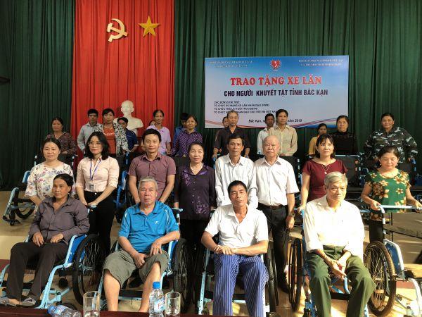 Trung ương Hội:  Tập huấn và trao 260 xe lăn cho người khuyết tật tỉnh Bắc Kạn