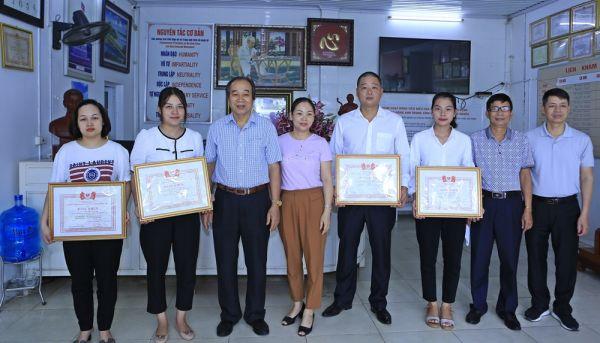 Tri ân tấm lòng của cán bộ, nhân viên  Phòng khám Đa khoa Chữ thập đỏ huyện Đông Anh (TP Hà Nội)