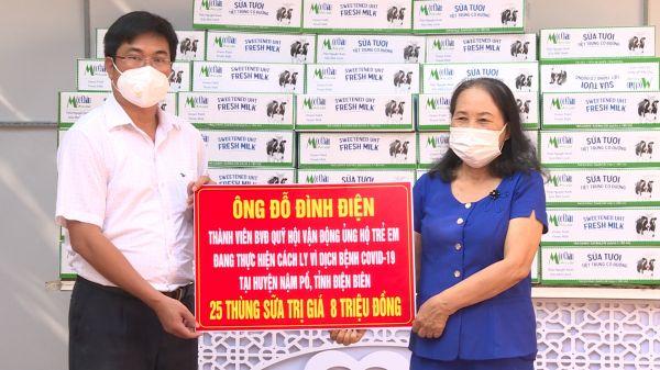 Tặng quà cho trẻ em có hoàn cảnh đặc biệt đang thực hiện cách ly vì dịch bệnh Covid 19 tỉnh Điện Biên