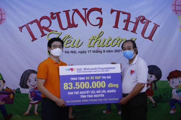 Thái Nguyên: Tổ chức WeLoveU Quốc tế hỗ trợ 50 xe đạp cho các em học sinh khó khăn